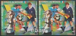 France 1998 Bloc Carré Marigny SURCHARGE 3-0 n°10 paire D / ND Coupe du Monde